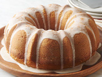 egg nog flavored bundt cake
